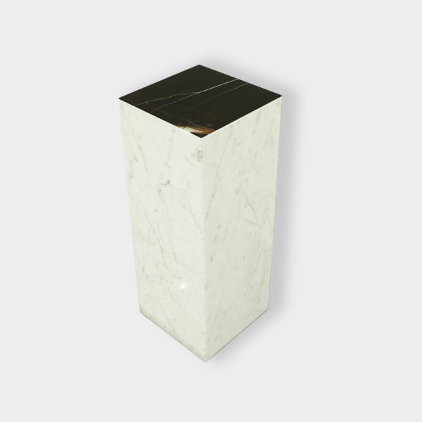 Chevet meuble en marbre blanc