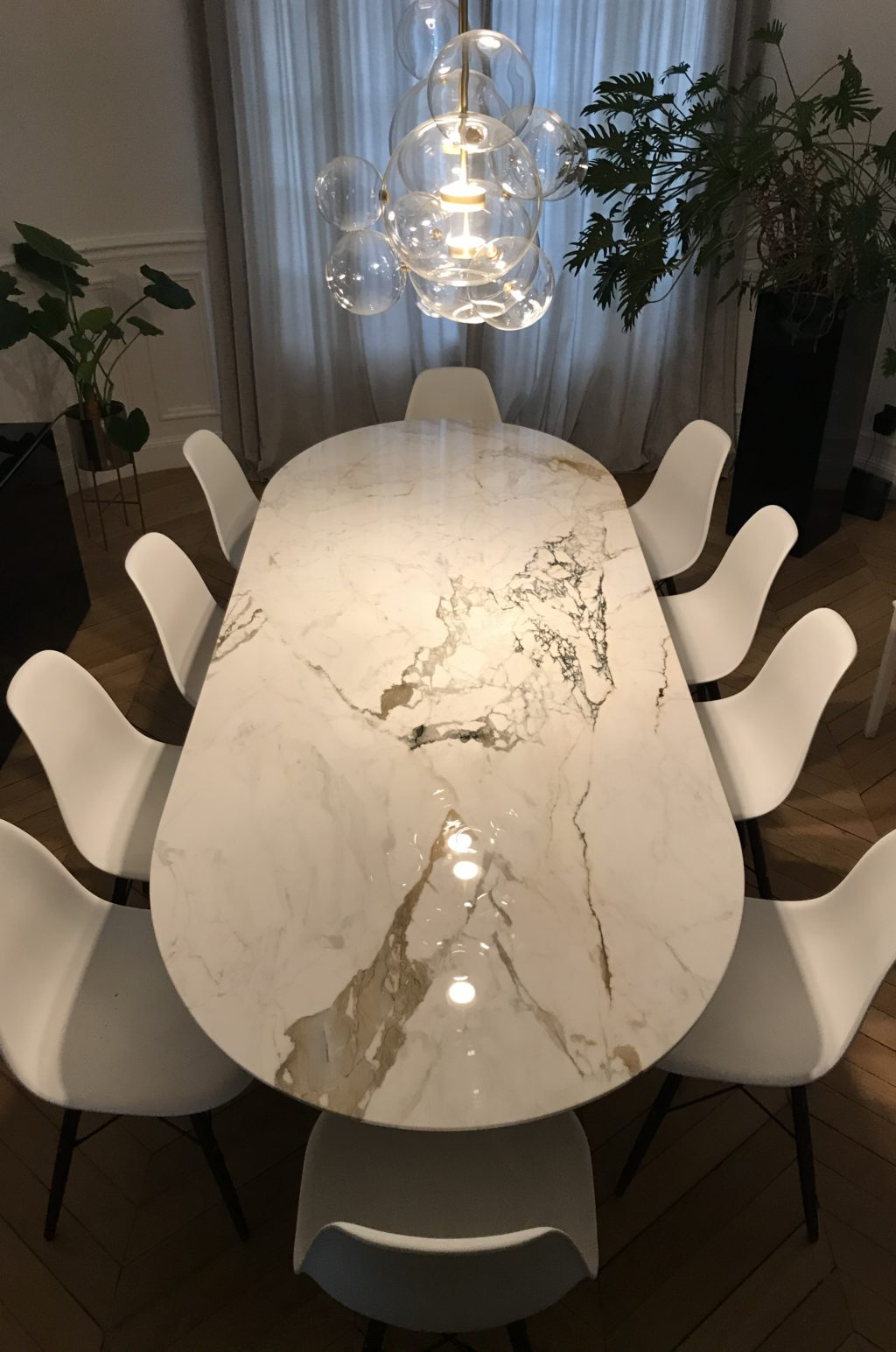 table en marbre blanc paonazzo